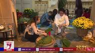 Người nước ngoài ăn Tết Việt Nam