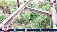 Cầu treo biên giới xuống cấp nhưng không có vốn dỡ bỏ