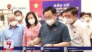 Chủ tịch Quốc hội kiểm tra công tác bầu cử tại Bắc Giang và Bắc Ninh