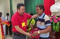 2.000 lá cờ Tổ quốc đến với ngư dân Đà Nẵng