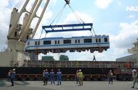 Cận cảnh 2 đoàn tàu Metro số 1 vừa cập cảng