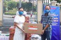"""""""Thực phẩm miễn phí cùng cả nước chống dịch"""" đến với người dân quận 5 và huyện Củ Chi"""
