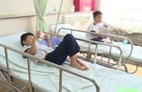 Sau tiệc sinh nhật tại lớp, 38 học sinh nhập viện