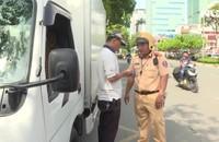 Nhiều xe bị xử phạt trong sáng đầu tiên CSGT tổng kiểm soát các phương tiện