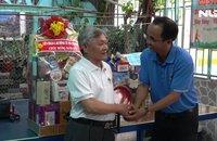 LĐLĐ TP HCM thăm chủ nhà trọ tiêu biểu và công nhân khó khăn dịp Tết