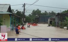 Quảng Trị ứng cứu hàng nghìn người dân tránh lũ lớn