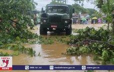 BĐBP Thừa Thiên - Huế cứu trợ khẩn cấp bà con vùng lũ