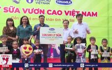 Trao tặng 108.500 ly sữa cho trẻ em Yên Bái