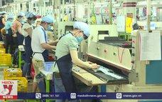 Chính phủ đề nghị chưa tăng lương cơ sở năm 2021