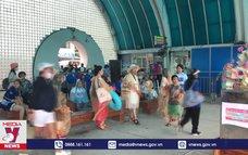 Thái Lan đón đoàn du khách quốc tế đầu tiên