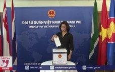Người Việt tại Nam Phi quyên góp ủng hộ miền Trung