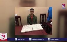Nghệ An bắt vụ vận chuyển 12 bánh Heroin