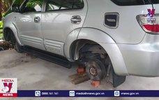 Khởi tố đối tượng trộm cắp bánh xe ô tô
