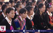 Chủ tịch Quốc hội thăm trường dân tộc nội trú tỉnh Yên Bái