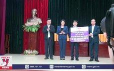 Phó Chủ tịch nước thăm người dân vùng lũ Nghệ An