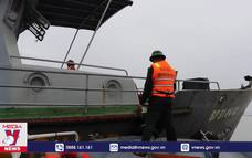 Nhiều tàu cá ở Thừa Thiên – Huế mắc cạn do bão Vamco