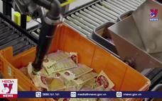 Robot đóng gói thực phẩm trong dịp Lễ Tạ ơn tại Mỹ