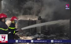 Kịp thời dập tắt đám cháy lớn tại TP.Vinh