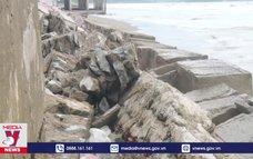 Kè biển tại thị xã Cửa Lò hư hại nghiêm trọng