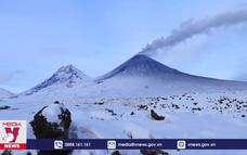 Núi lửa hoạt động mạnh tại bán đảo Kamchatka