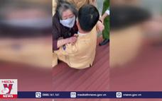 Hải Phòng: Lực lượng CSGT kịp thời cứu cụ bà trong đám cháy lớn