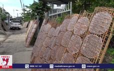 Giữ lửa cho làng nghề bánh tráng Ninh Hiệp