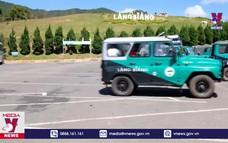 Tạm dừng xe U-Oát chở khách lên đỉnh Lang Biang