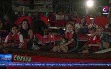 Rạp chiếu phim nổi hút khách tại Israel
