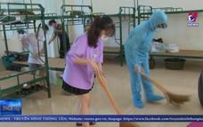 Hà Nội tiễn công dân hoàn thành cách ly về lại địa phương