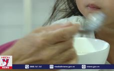 Tạm đình chỉ đơn vị cung cấp bữa ăn cho trường Bình Trưng Đông (TP.HCM)