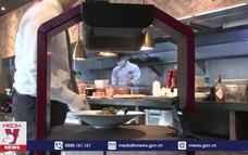 Robot AI phục vụ tại nhà hàng ở Hàn Quốc