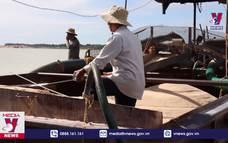 Tây Ninh bắt giữ 4 tàu khai thác cát trái phép