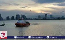Cấp cứu ngư dân từ vùng biển Hoàng Sa