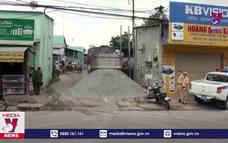 Bắt xe ben chở đá giả biển số quân đội ở Đồng Nai