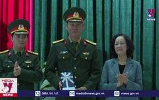 Đồng chí Trương Thị Mai thăm, chúc tết LLVT Quảng Nam