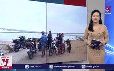 Hai du khách bị sóng biển cuốn trôi ở Bình Thuận