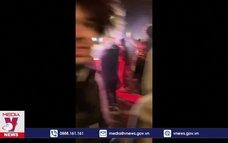Cảnh sát Mỹ lao xe vào đám đông