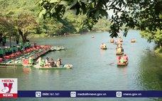 Ninh Bình đón 32.000 lượt du khách dịp Tết Dương lịch 2021