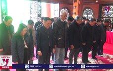 Phó Chủ tịch Quốc hội tặng quà gia đình chính sách tại ATK Định Hóa