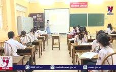 Nhiều địa phương cho học sinh đi học trở lại