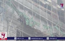 Một nạn nhân sập giàn giáo ở Phú Thọ đã tử vong