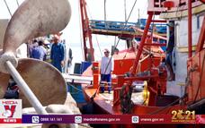 Ngư dân Gò Công tất bật ra khơi đầu năm