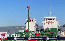Truy bắt 2 tàu 1.500 tấn buôn lậu xăng giả