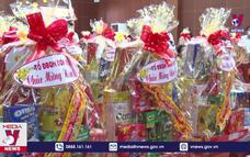 Trao quà Tết cho gia đình chính sách ở Đồng Nai