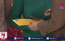 Quảng Ngãi trao 2.000 suất quà Tết cho người nghèo
