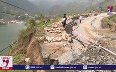 Sụt lún nghiêm trọng trên tỉnh lộ 152 thuộc thị xã Sa Pa, Lào Cai
