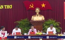 Chủ tịch Hội đồng bầu cửlàm việc tại Cần Thơ