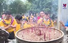 Đại biểu gương mặt trẻ Việt Nam dâng hương Vua Hùng