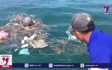 Dọn vệ sinh đáy biển, bảo vệ rạn san hô Cù Lao Chàm