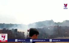 Cháy kho chứa gỗ trong chi cục Hải Quan ở Bình Phước